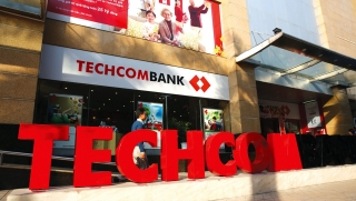Nâng cấp ngân hàng điện tử, Techcombank mời khách hàng đến giao dịch tại chi nhánh