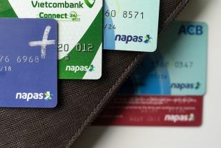 Mở thẻ ngân hàng, cần lưu ý điều gì?