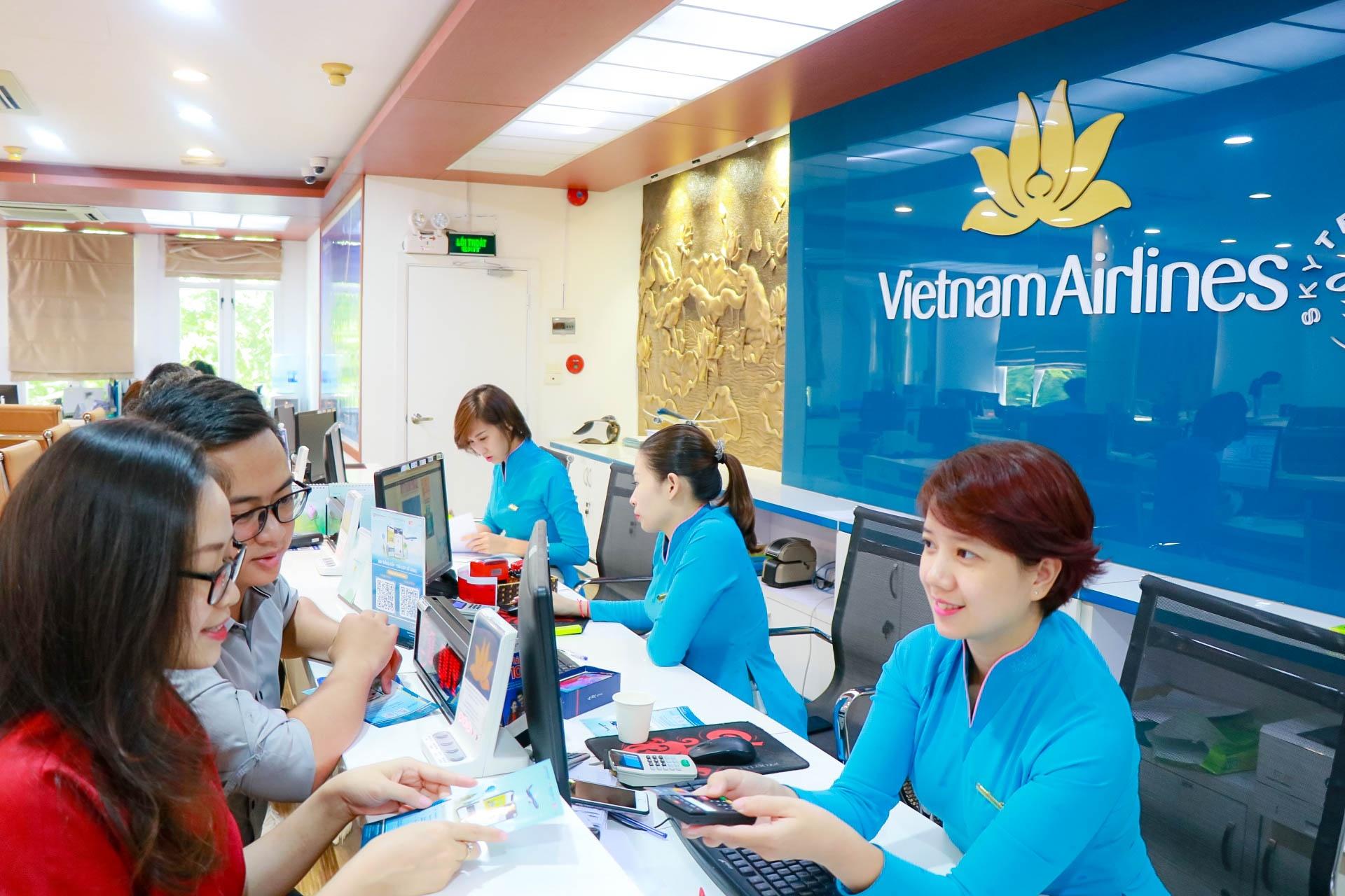 ngan luong hop tac cung vietnam airlines trien khai mua ve may bay tra gop lai suat 0