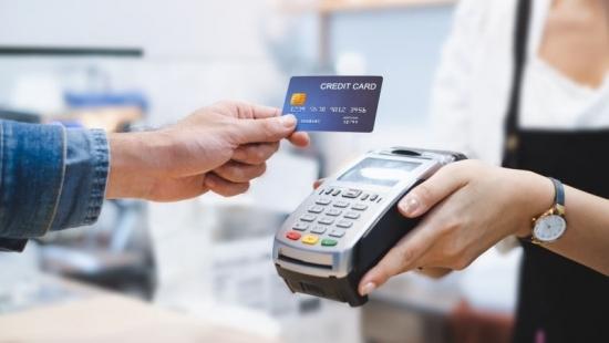 Chủ thẻ tín dụng cũng không nằm ngoài chính sách hỗ trợ