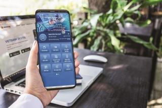 Nhận tiền nhờ giao dịch qua ứng dụng