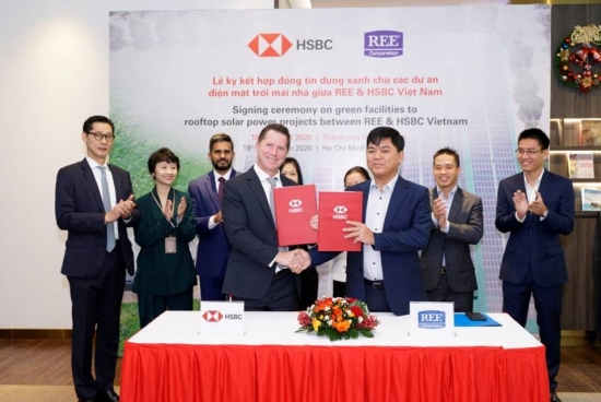 HSBC cung cấp khoản tín dụng trên 800 tỷ đồng cho dự án điện năng lượng mặt trời mái nhà