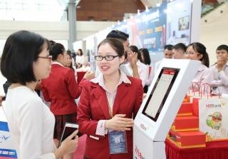 """Hàng ngàn ưu đãi khi tham gia chương trình """"Tải App HDBank – Rinh Vespa sành điệu"""""""