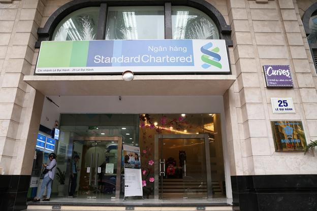 Fitch nâng triển vọng của Standard Chartered Việt Nam lên mức tích cực