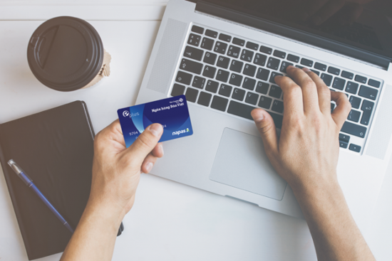 TP.HCM: Ngân hàng và ví điện tử cung cấp sản phẩm cho người dân tránh dịch