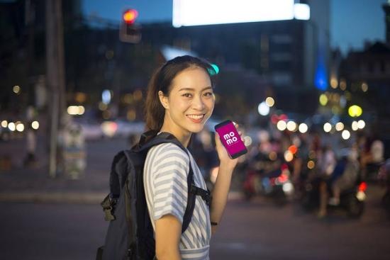 Đặt xe đi du lịch thanh toán bằng ví điện tử MoMo