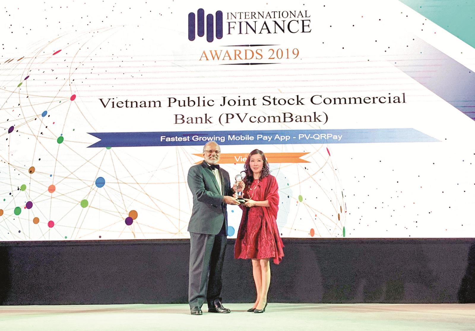PVcomBank nhận liên tiếp 2 giải thưởng quốc tế