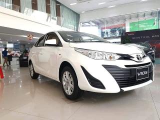 Những mẫu ô tô giảm giá dịp đầu năm